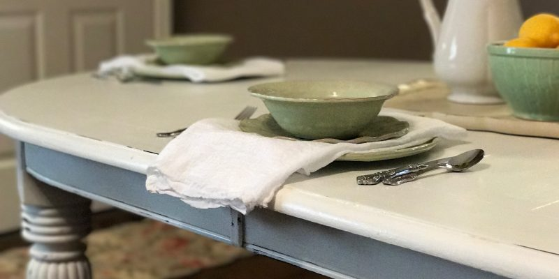 How to turn a dining room table into a farm table…