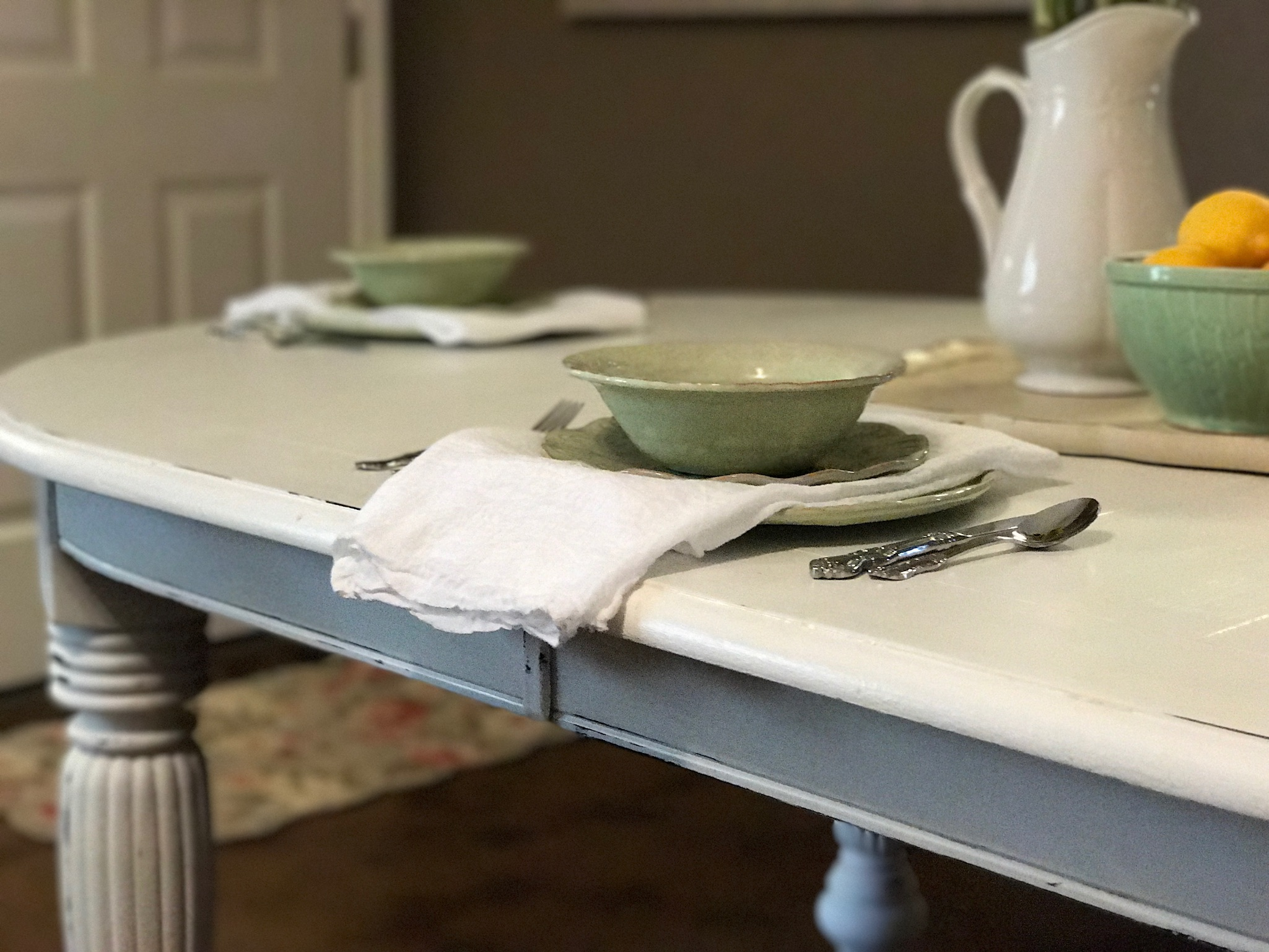 How to turn a dining room table into a farm table